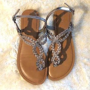⬇️$7 Merona Sandal Size 6